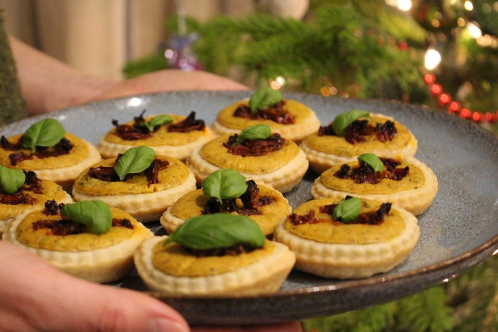 Tomato & Basil Quiche-like Canapés